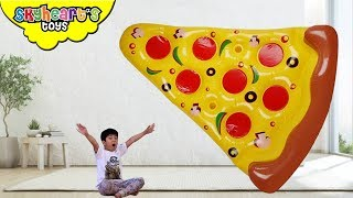 Skyheart wants a GIANT PIZZA!! pretend play kids inflatable toys playtime