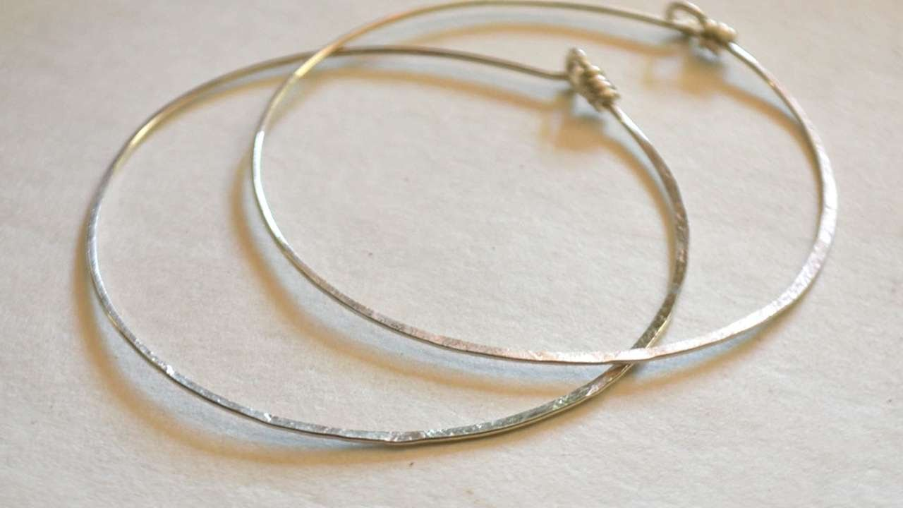 How To Make Simple Hammered Sterling Hoop Earrings - DIY Style ...