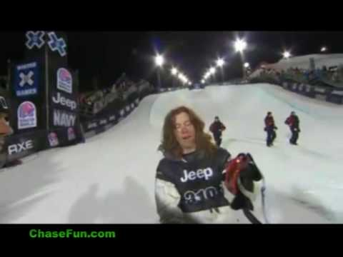 Shaun White Hits Face on Halfpipe
