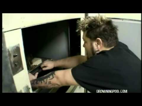 """Drowning Pool - The Making Of """"Bodies"""" Music Video"""
