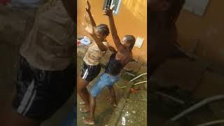 Hit: Mamadó : Os Makambo Reza dos sené