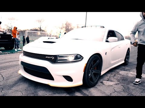 Detroit Muscle Car Meet Take Burnouts to Another Level at Chandler Park