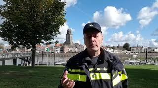 Politie Webcare team Deventer doet onderzoek