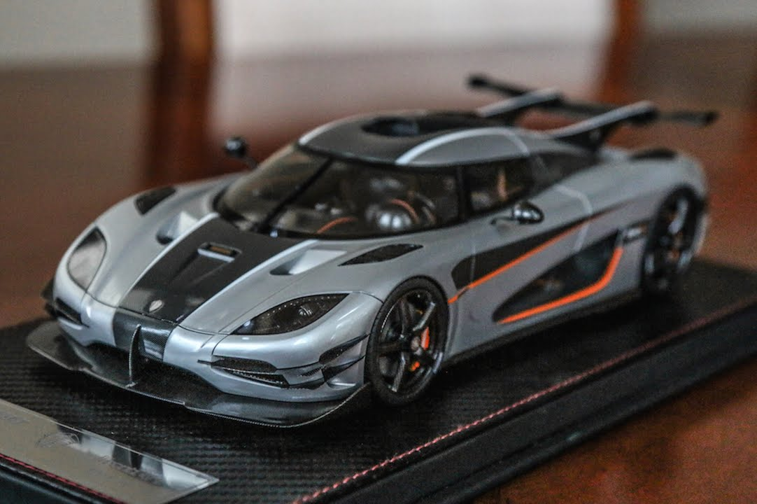 review 1 18 scale koenigsegg one 1 silver by frontiart. Black Bedroom Furniture Sets. Home Design Ideas