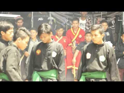Atraksi Pagar Nusa IAIN Surakarta