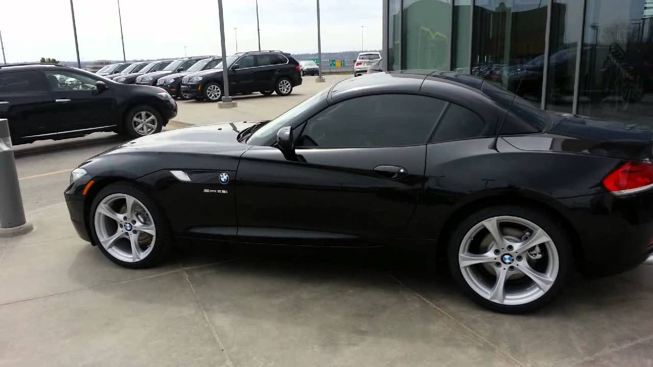 bmw z4 sdrive 28i turbo charged 2013 hard top youtube. Black Bedroom Furniture Sets. Home Design Ideas