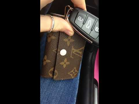 Review & tutorial how to use Louis Vuitton 6 key holder in monogram ballet pink lining great guide