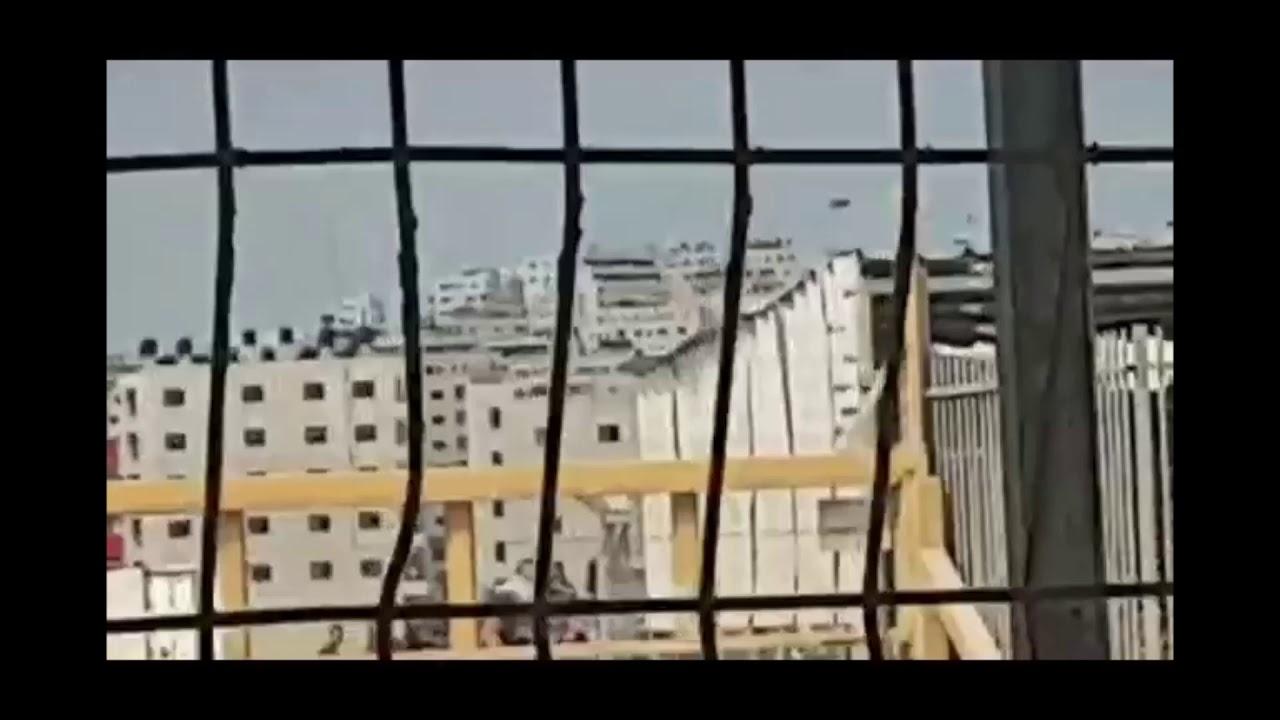 """צפו: פלסטיינם ידו אבניים לעבר לוחמי צה""""ל ונעצרו"""