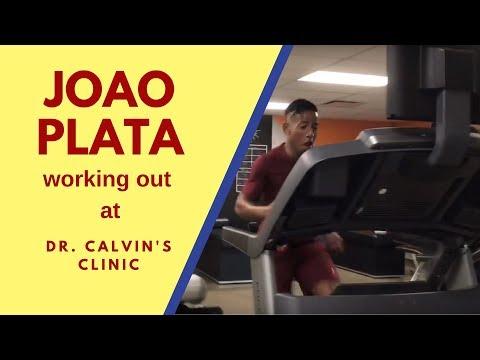 Joao Plata haciendo ejercicios @ Dr. Calvin's Clinic