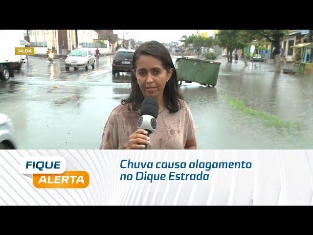 Chuva causa alagamento no Dique Estrada