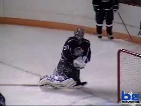 How to undress a goalie. Wenatchee Wild, #19 Evan Mosey goal @ Topeka.
