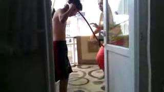 Banyo ederken annesine yakalanırsa