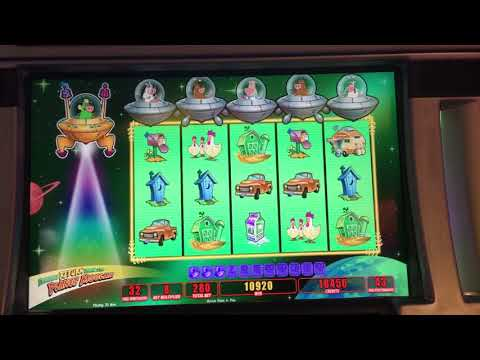 Big win on Return To Invaders From The Planet Moolah at Twin River