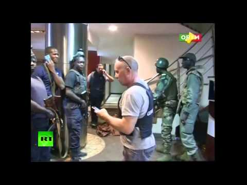 Police pull out hostages from Radisson hotel in Bamako, Mali (RAW)