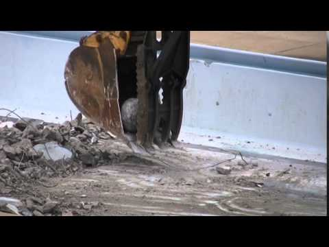 Demolition of Belleville swimming pool