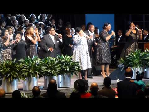 """Lecresia Campbell honors Kathy Taylor w/ """"Amazing Grace"""""""