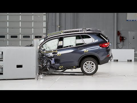 2019-bmw-x5-driver-side-small-overlap-iihs-crash-test