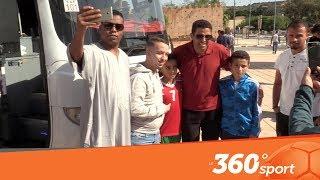 Le360.ma •لاعبو المنتخب المحلي يؤدون صلاة الجمعة بمسجد الحسن الثاني بالسعيدية