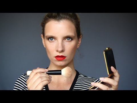 Victoria Beckham x Estee Lauder Makeup Collection Review