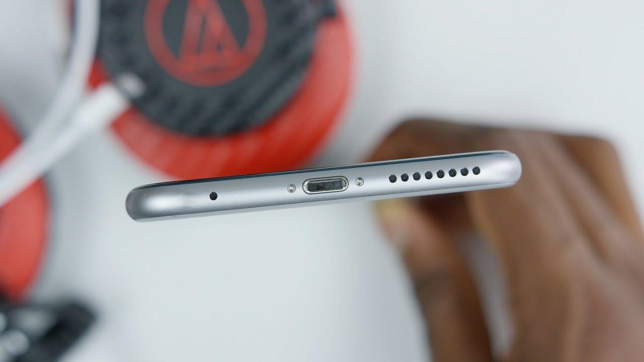medium resolution of iphone 7 with no headphone jack