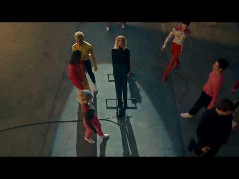 Experimental film starring Kate Mara ahead of New York Fashion Week 2018 - Unravel Travel TV