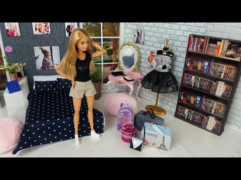 Barbie Packs Her Dolls Bags to go on a Trip! New Doll Clothes. Barbie Bedroom Morning Routine