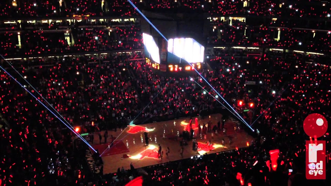 Exterior: Chicago Bulls Starting Lineup Introductions For Derrick
