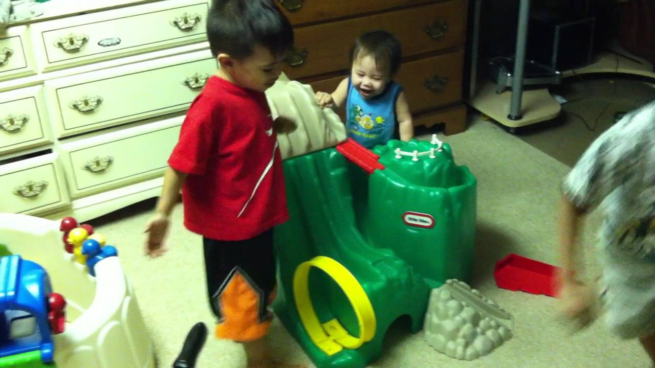 What Rhymes With Car >> Brothers playing together: Little tyke hot wheels ...