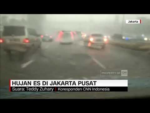 Hujan Es Melanda Kawasan Sudirman Jakarta