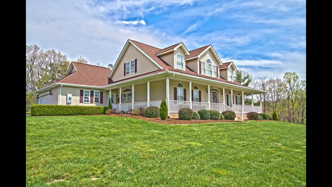 Pilot VA Farm House For Sale Perfect for HORSES 3600 Old Sourwood Road