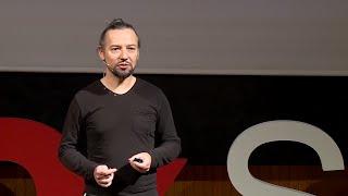 Oderwijmy wzrok od ekranów! Nadal mamy ciała   Wiesław Bartkowski   TEDxSGH