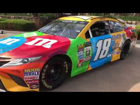 nascar driver kyle busch 39 s 18 toyota camry m m racecar youtube. Black Bedroom Furniture Sets. Home Design Ideas