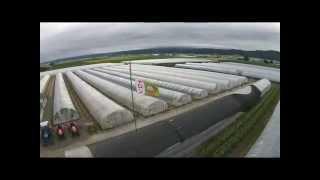 寺坂農園を紹介する動画です。 ドローン撮影も取り入れ、メロン畑が広が...