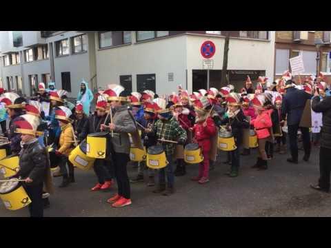 Jugendmaskenzug Mainz 2017 Martinusschule Trommler 1