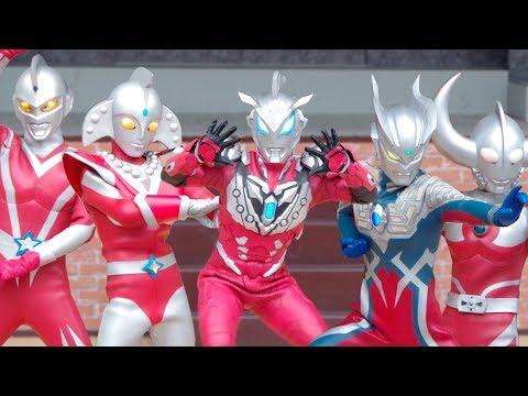 ウルトラマンジード・ソリッドバーニング & ウルトラマンゼロ & ウルトラの父 & USA ウルトラマンスコット & ウルトラウーマンベス握手会 Ultraman ひらパー thumbnail