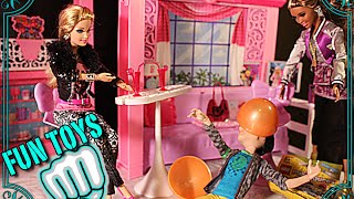 BaRbies FaStest wAy To OpeN suRPrisE Eggs wItH BarBie MonSter hIGh LeGo