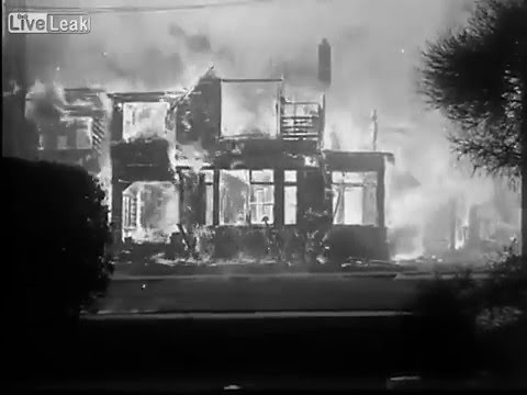 LiveLeak - A Look Back in History  - Amazing Footage Of Berkeley On Fire  - 1923