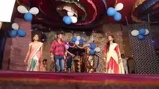 Oye Kalla Kalla Brundavana movie song performance