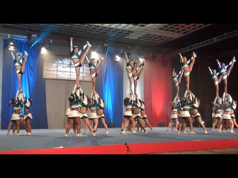 Cheer Extreme Senior Elite HITS their Vegas routine!