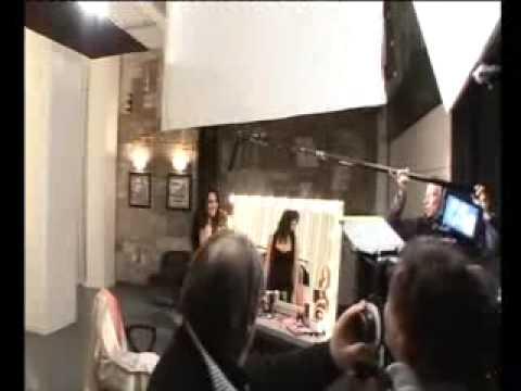 Manuela Arcuri nel backstage XLS Chefaro Pharma Italia S r l