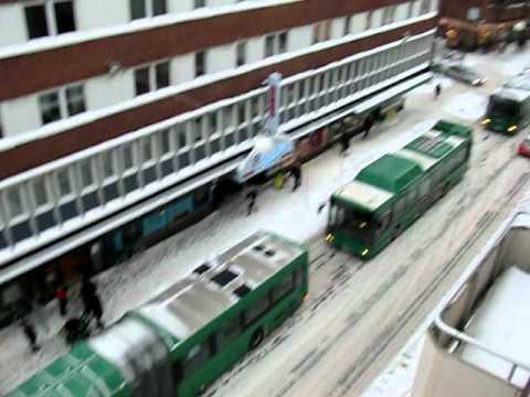 Kö på Södra Förstadsgatan i Malmö