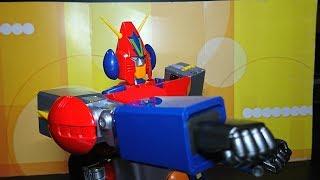 DX超合金魂 コン・バトラーV であそびます! 今回は合体の様子をお見せします。 バトルマシン https://youtu.be/nbvJGwaHOFI.