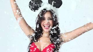 "The Melanie Iglesias Flip Book: Part 4 ""Christmas Edition"""