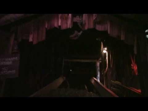 Knott's Scary Farm's SLEEPY HOLLOW MOUNTAIN 2010 Attraction Flow-Through