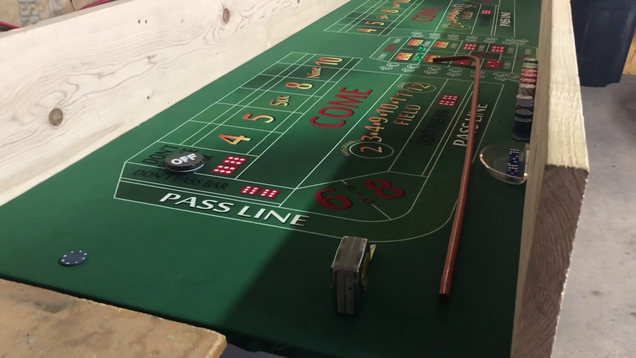 Blackjack chips tray for dealers