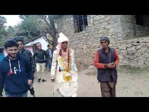 Bharat Nikalne sey pehle Dulha Raja Rajesh Kumar ayyae Khara Gundow Doda District Mai vote Dalnae