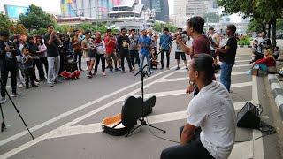 PARCUMA AMBON Bukan Judika Tapi Handsright Bersuara Merdu Dan Tinggi Live Music CFD