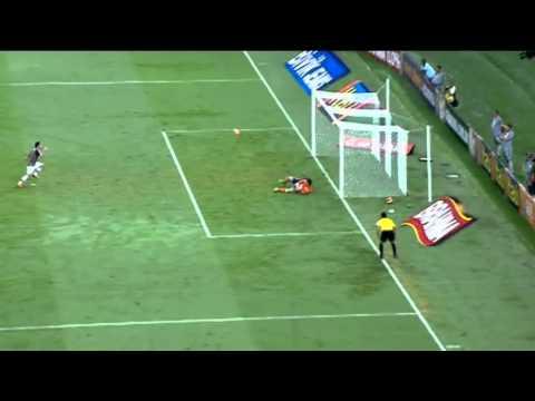 Fred misses penalty & rebound - Fluminense vs Cruzeiro