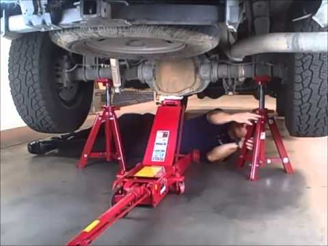 How To Use Long Chasis Air Hydraulic Service Jack And