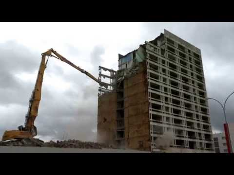 Uckange  demolition de la Tour Des Tilleuls best of